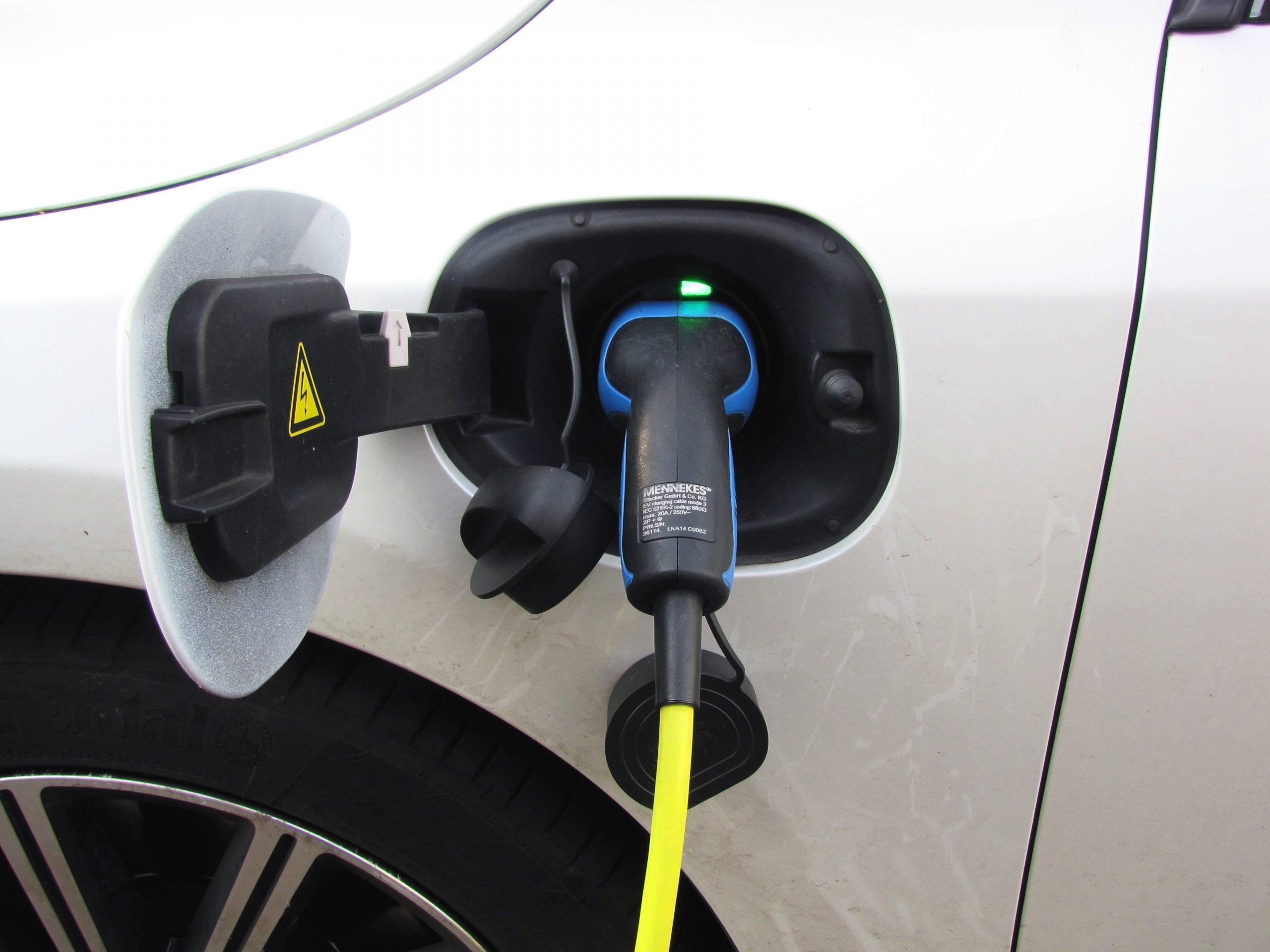 Entwicklung neuer Technologien: Elektromobilität | Neue Techniken | Neue Märkte ...